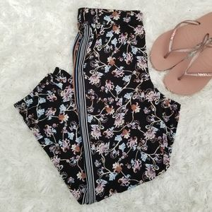 WHBM The Jogger Crop Floral Pants Size XS Small